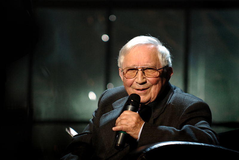 95 lat temu urodził się Tadeusz Różewicz [skany metryk przodków]